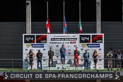Podium : le vainqueur Matevos Isaakyan, AVF, le deuxième, René Binder, Lotus, le troisième, Alfonso Celis Jr., Fortec Motorsports