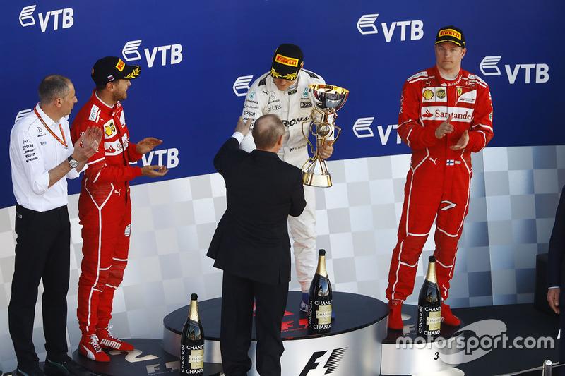 Valtteri Bottas, Mercedes AMG F1, Vladimir Putin, Sebastian Vettel, Ferrari, Kimi Raikkonen, Ferrar
