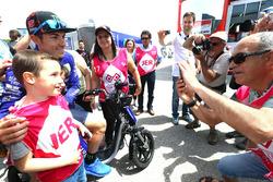 Maverick Viñales, Yamaha Factory Racing con aficionados