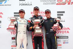 Podium: race winner Pierre Gasly, Team Mugen, second place Kamui Kobayashi, KCMG, third place Felix Rosenqvist, Team LeMans