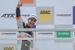 Podium, ganador, Jehan Daruvala, Carlin, Dallara F317 - Volkswagen