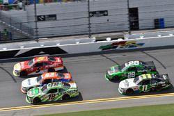 Daniel Suárez, Joe Gibbs Racing Toyota, Blake Koch, Kaulig Racing Chevrolet