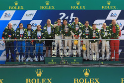 LMP2 podium: les vainqueurs Ho-Pin Tung, Oliver Jarvis, Thomas Laurent, DC Racing, deuxième place pour Mathias Beche, David Heinemeier Hansson, Nelson Piquet Jr., Vaillante Rebellion Racing, troisième place pour David Cheng, Alex Brundle, Tristan Gommendy, DC Racing