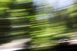 Metro 6R4 Rally Car