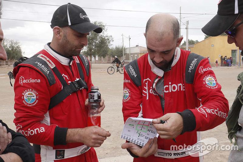 #389 Pablo Cantó, Jatón Racing (en la foto, su copiloto, Ariel Jatón, a la izquierda)