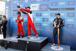 Podio: il vincitore Christ-johannes Schreiber, Rikli Motorsport, il secondo classificato Peter Rikli