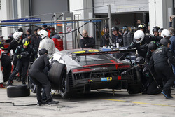 Pit stop, #28 Audi Sport Team Land-Motorsport, Audi R8 LMS: Christopher Mies, Connor De Phillippi