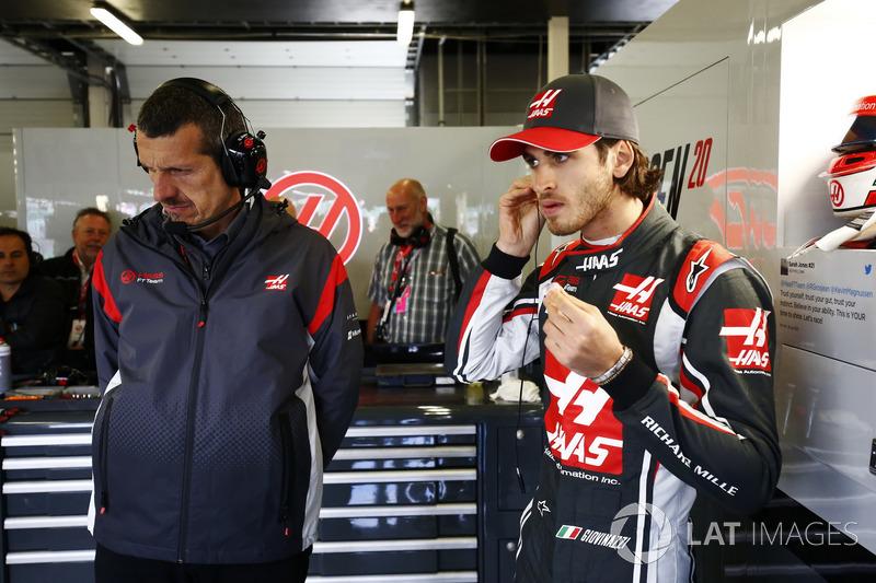 Керівник Haas F1 Team Гюнтер Штайнер, Антоніо Джовінацці, Haas F1 Team