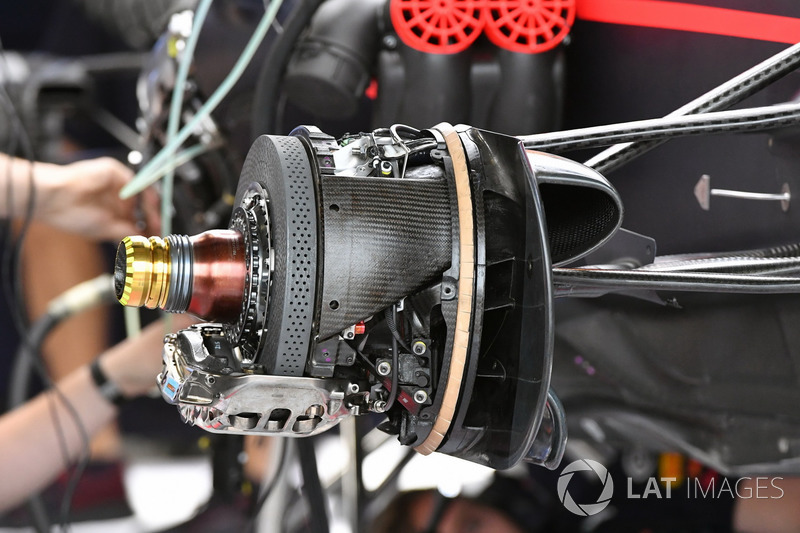 Red Bull Racing RB13 front brake and wheel hub detail