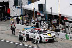 #19 BMW Team RLL BMW M6 GTLM: Bill Auberlen, Alexander Sims, Augusto Farfus, Bruno Spengler, pit sto