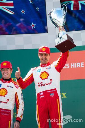 Podium: le vainqueur Scott McLaughlin, Team Penske Ford, second place Fabian Coulthard, Team Penske Ford