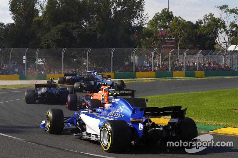 Antonio Giovinazzi, Sauber, C36; Stoffel Vandoorne, McLaren, MCL32; Kevin Magnussen, Haas F1 Team, VF-17; Marcus Ericsson, Sauber, C36