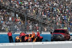 Crash: Matt Kenseth, Joe Gibbs Racing, Toyota