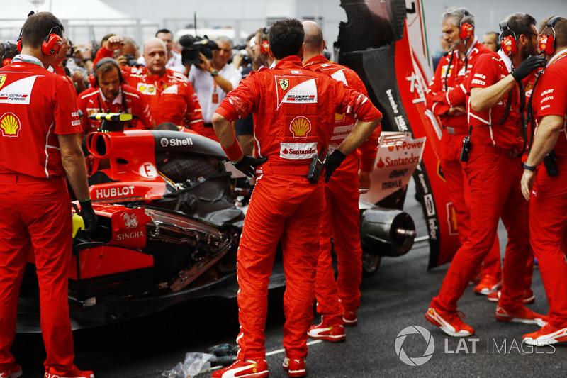 Ferrari отправляет Кими на прогулку