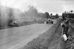 #28 Aston Martin Ulster: Clifton Penn-Hughes, Thomas Fotheringham, nach Crash