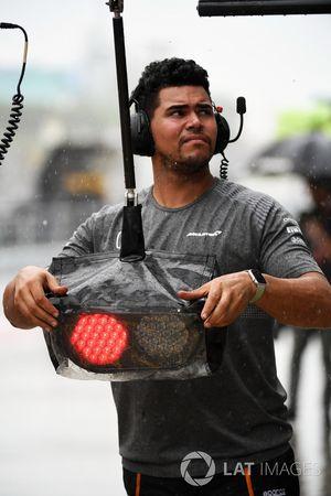 Luces de mecánico y parada en boxes de McLaren
