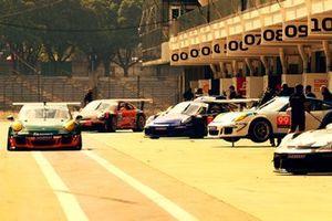 Pitlane da Porsche Cup Brasil em Interlagos
