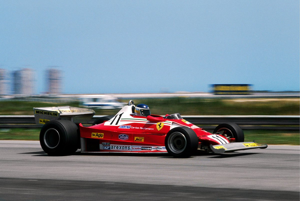 Carlos Reutemann, Ferrari 312T2 ganó su primera carrera con Ferrari y obtuvo la primera victoria para el fabricante de neumáticos Michelin