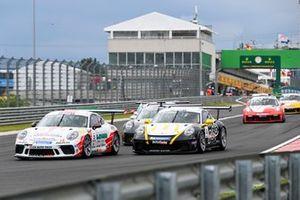 Jaap van Lagen, Fach Auto Tech leads Jean-Baptiste Simmenauer, Lechner Racing Middle East