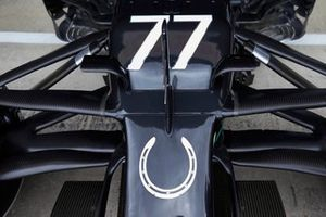 Valtteri Bottas, Mercedes F1 W11 front wing with the Strling Moss tribure Horse Shoe