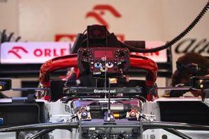 Dettaglio del volante dell'Alfa Romeo Racing C39 di Antonio Giovinazzi