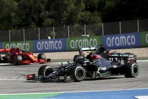 Valtteri Bottas, Mercedes F1 W11 EQ Performance, Lewis Hamilton, Mercedes F1 W11 EQ Performance, Charles Leclerc, Ferrari SF1000