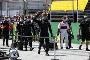 Williams mechanics on the grid