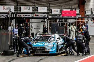 Arrêt au stand de Fabio Scherer, Audi Sport Team WRT, Audi RS 5 DTM
