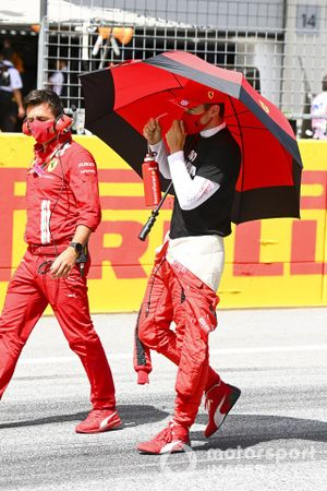 Шарль Леклер, Ferrari, на стартовой решетке