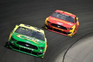 Matt DiBenedetto, Wood Brothers Racing, Ford Mustang Menards/Quaker State, Ryan Blaney, Team Penske, Ford Mustang Advance Auto Parts