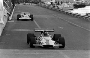 Pedro Rodriguez, BRM P153 leads Henri Pescarolo, Matra MS120