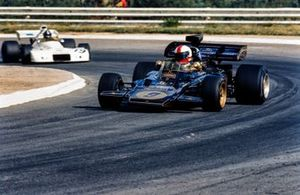 Dave Walker, Lotus 72D Ford devant Graham Hill, Brabham BT33 Ford