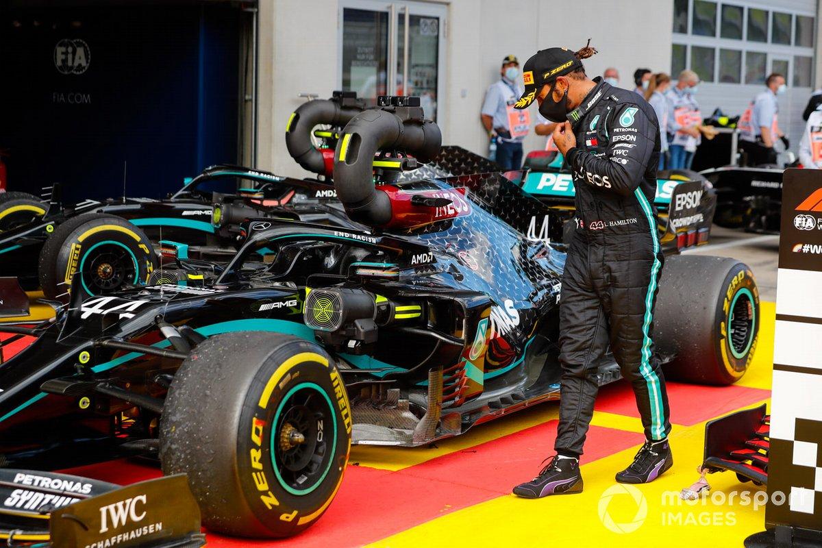Lewis Hamilton, Mercedes-AMG Petronas F1, en parc ferme