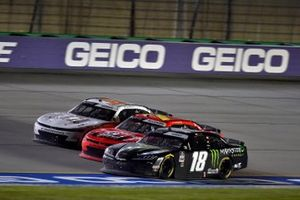 Daniel Hemric and Riley Herbst, Joe Gibbs Racing, Toyota Supra Monster Energy y Justin Allgaier, JR Motorsports, Chevrolet Camaro Thank You Team BRANDT