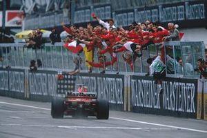 Race winner Michael Schumacher, Ferrari F1 2000
