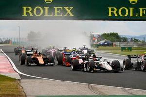 Christian Lundgaard, ART Grand Prix, Jack Aitken, Campos Racing y Robert Shwartzman, Prema Racing al inicio