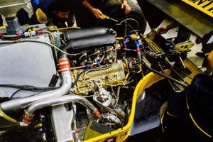 Engine detail of Pierluigi Martini, Minardi M/85 Motori Moderni