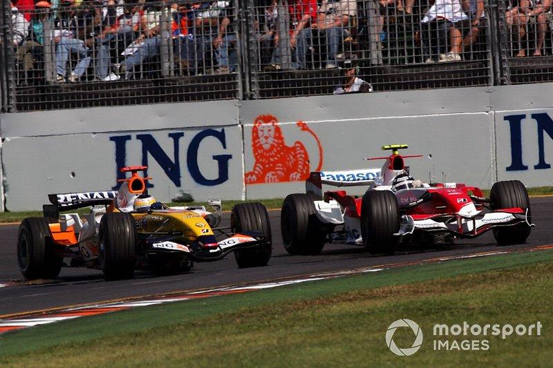Giancarlo Fisichella, Renault R27, Jarno Trulli, Toyota TF107