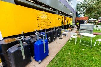 Los equipos de F1 hacen las maletas después de la decisión de cancelar el GP de Australia