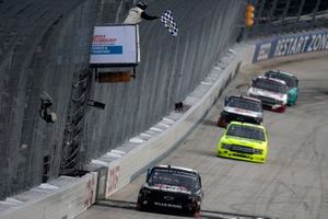 Zane Smith, GMS Racing, Chevrolet Silverado takes the checkered flag