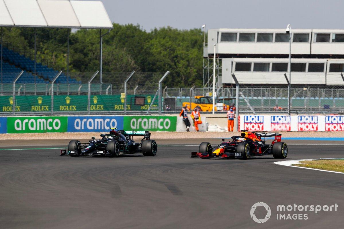 Valtteri Bottas, Mercedes F1 W11, batalla con Max Verstappen, Red Bull Racing RB16