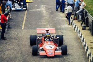 Ronnie Peterson, March 721G Ford heads to pit exit