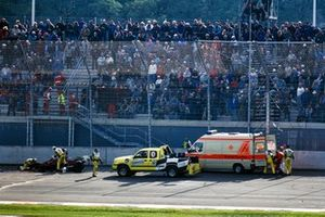 Alex Zanardi, Mo Nunn Racing is placed into an ambulance
