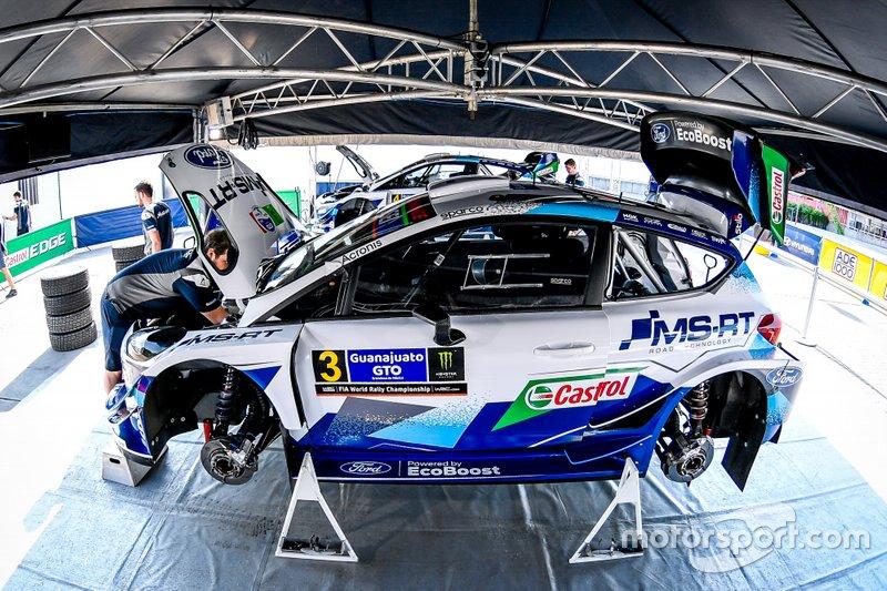 Машина Теему Суннинена и Ярмо Лехтинена, M-Sport Ford WRT Ford Fiesta WRC