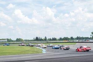 Jeb Burton, JR Motorsports, Chevrolet Camaro LS Tractor leads the field at the start