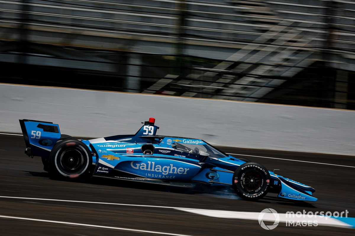 Max Chilton, Carlin Chevrolet locks up his right front
