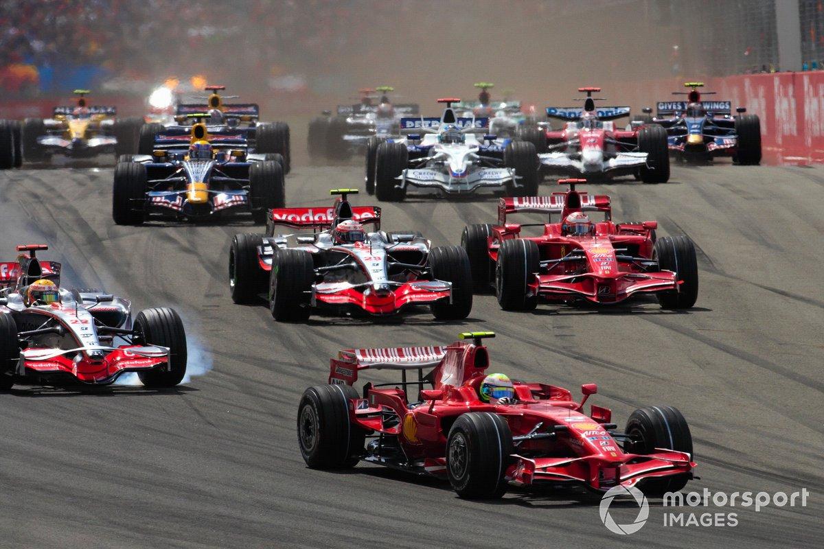 Felipe Massa, Ferrari F2008, Lewis Hamilton, McLaren MP4-23 Mercedes, Kimi Raikkönen, Ferrari F2008 y Heikki Kovalainen, McLaren MP4-23 Mercedes al inicio