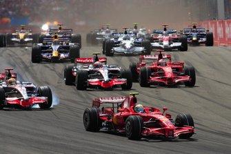 Felipe Massa, Ferrari F2008, Lewis Hamilton, McLaren MP4-23 Mercedes, Kimi Raikkönen, Ferrari F2008 ve Heikki Kovalainen, McLaren MP4-23 Mercedes