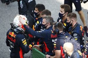 Max Verstappen, Red Bull Racing, 2nd position, celebrates in Parc Ferme with his team