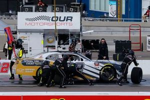 Ty Gibbs, Joe Gibbs Racing, Toyota Supra PristineAuction.com pit stop